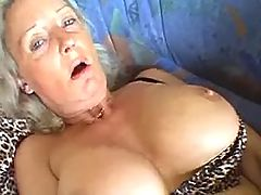 Granny goes nuts w dildo