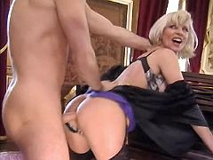Milf sucks and has fuck from behind
