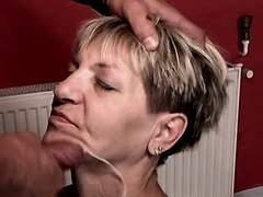 Granny gets fresh facial after sex